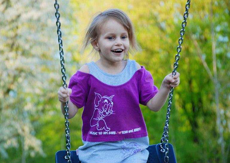 Playpark-child-swing