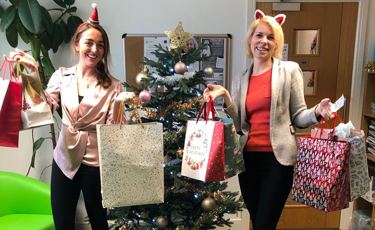 Pavlina Jordan and Ellie Prosser from Good Oaks with the Dorset Mums gift bags