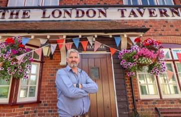 Phil at the London Tavern