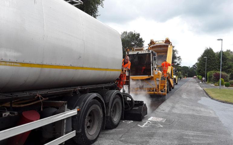 Surface dressing Dorset roads